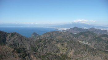 かつらぎ山から見た駿河湾と富士山