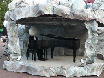 卵がピアノ演奏?