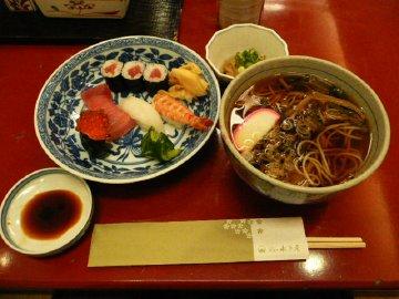 梅の郷セット(寿司山菜そば)