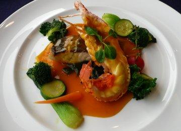 ラングスティーヌとスズキのブイヤベース風旬野菜のミジョテと共に