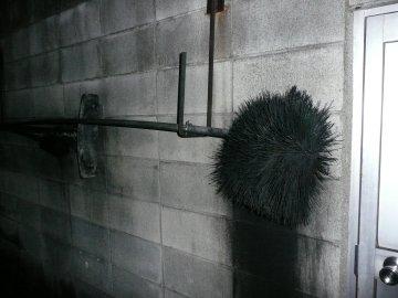 煙突掃除用ブラシ