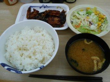 豚と茄子の辛味噌炒め定食ライス特盛