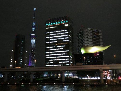 吾妻橋から見た東京スカイツリー